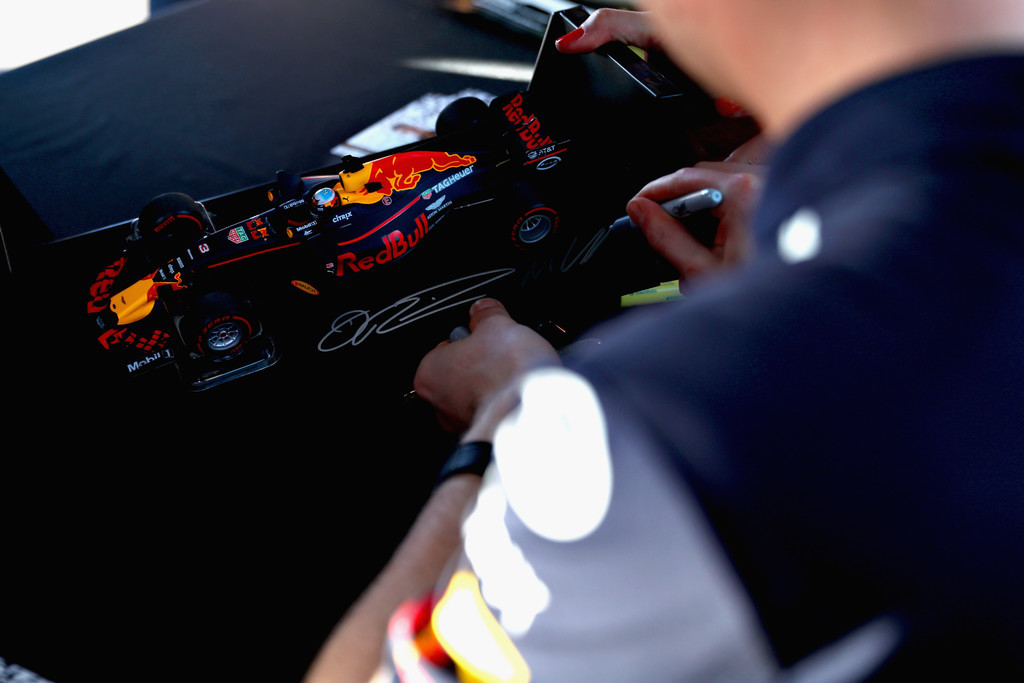 Re: HILO OFICIAL DE RED BULL RACING F1 TEAM  (by @Scuderia_Fangio)
