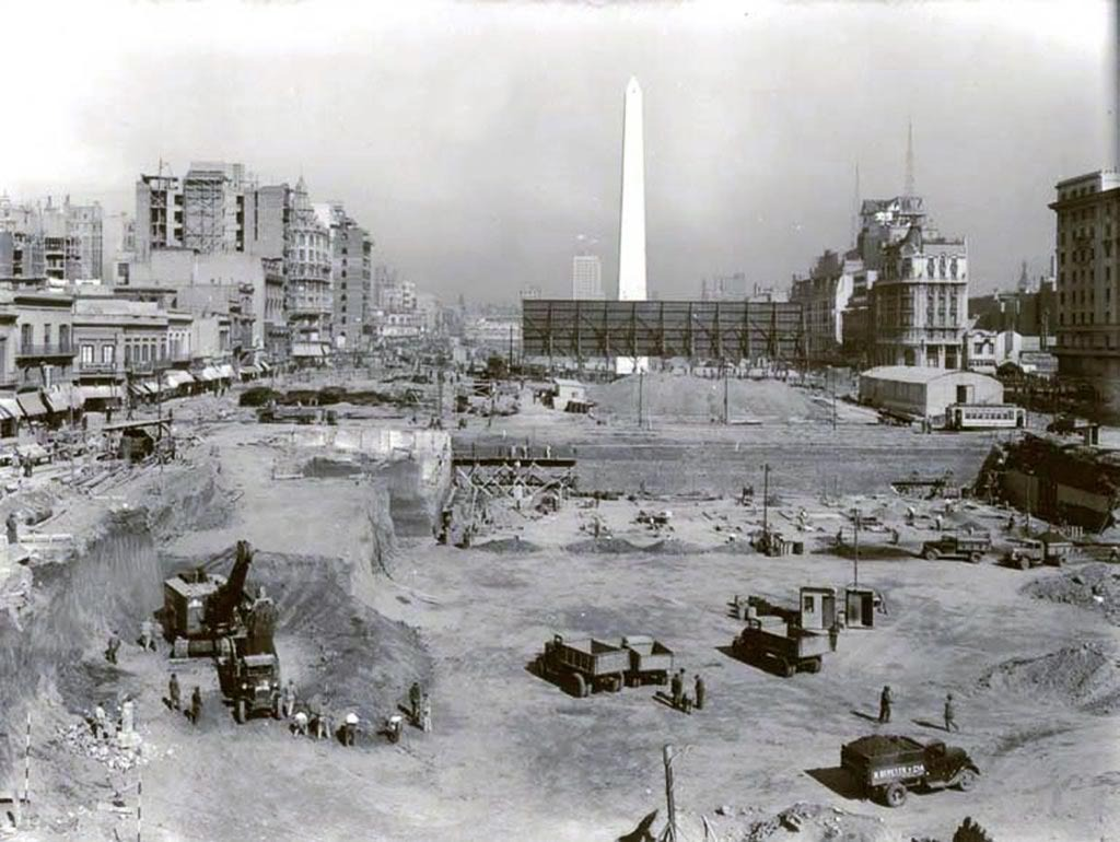 Construccion del Obelisco en Bs