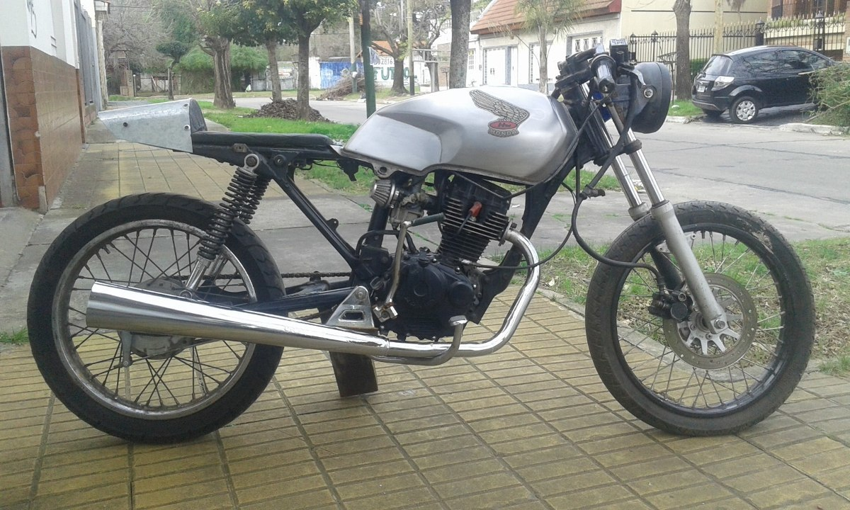 Hechas Cafe Racer