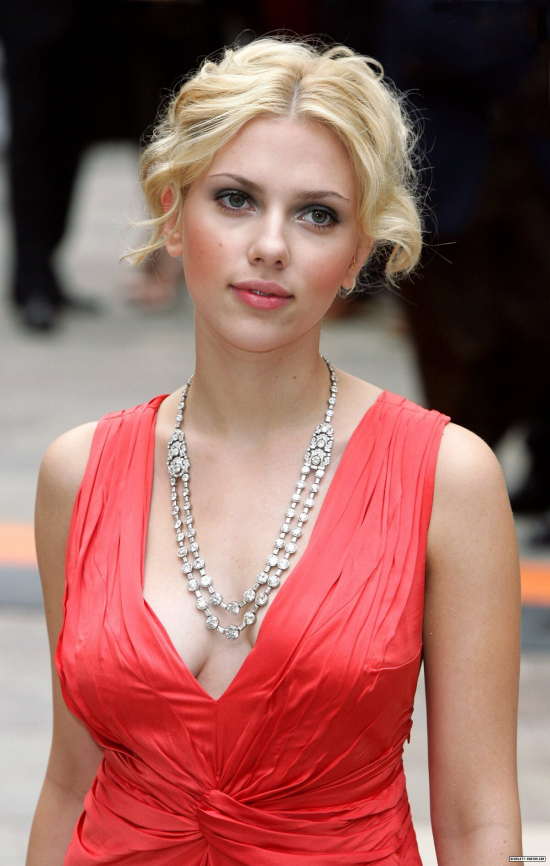 Memes, images and stories on the channel Scarlett Johansson Oficial ®